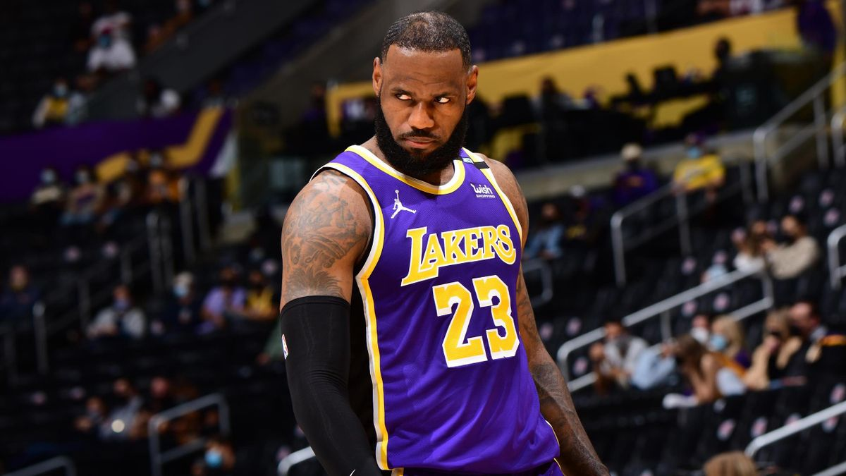 LeBron James no evita la derrota de Los Angeles Lakers en su vuelta a las canchas