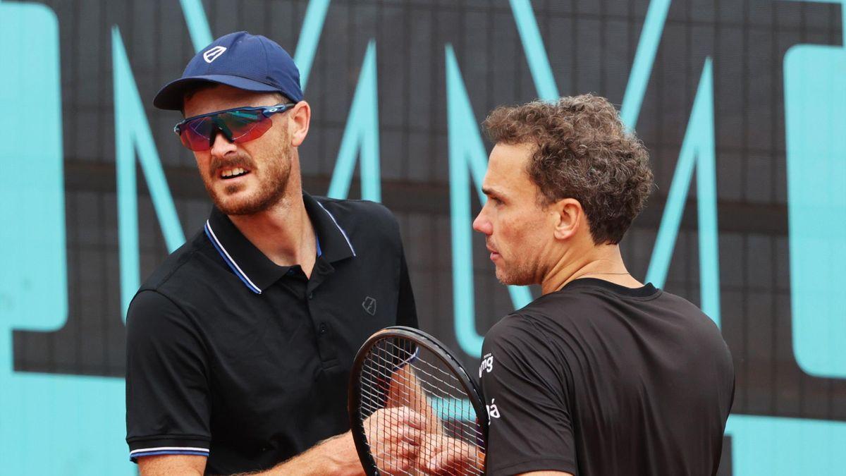 Jamie Murray (L) and Bruno Soares (R)