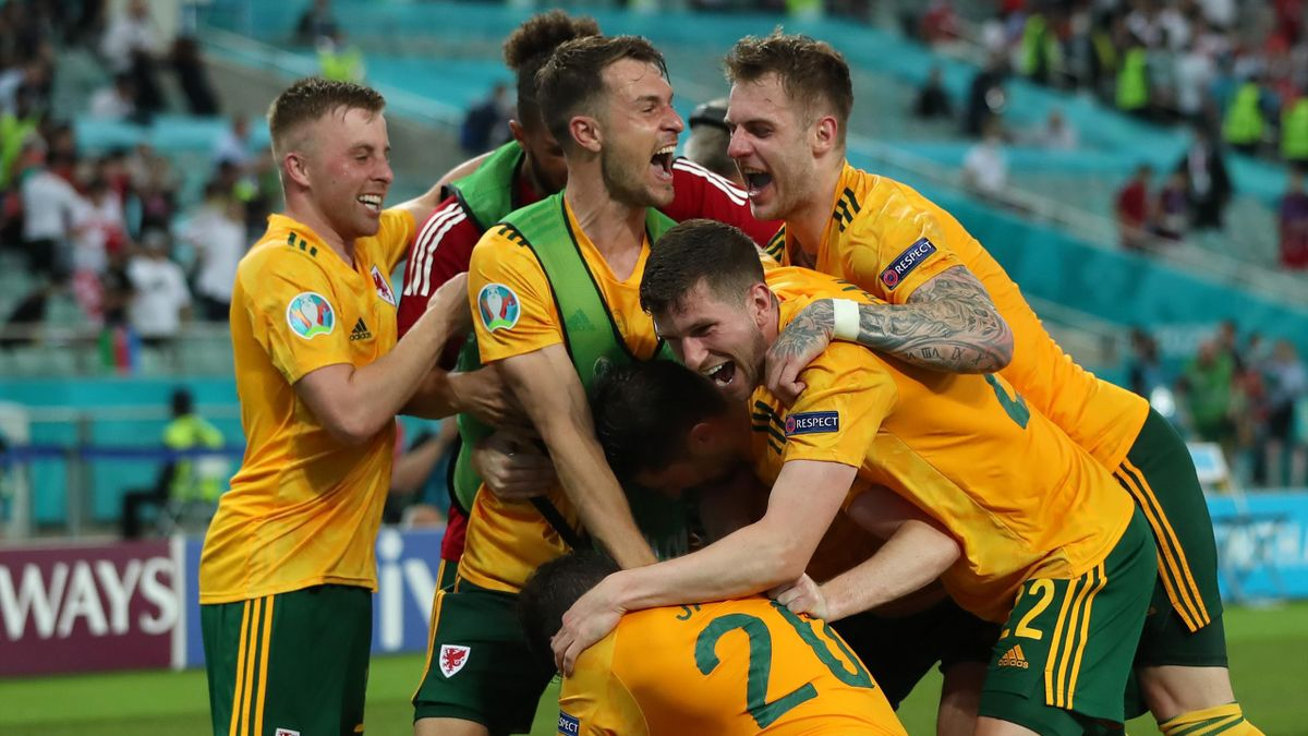 Connor Roberts of Wales celebrates with team mates after scoring their side's second goal during the UEFA Euro 2020 Championship Group A match between Turkey and Wales