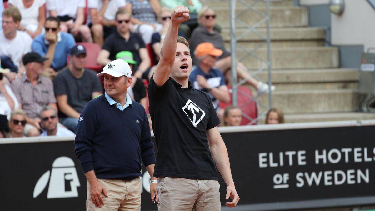 Un espontáneo obliga a detener el Ferrer-Verdasco en Bastad