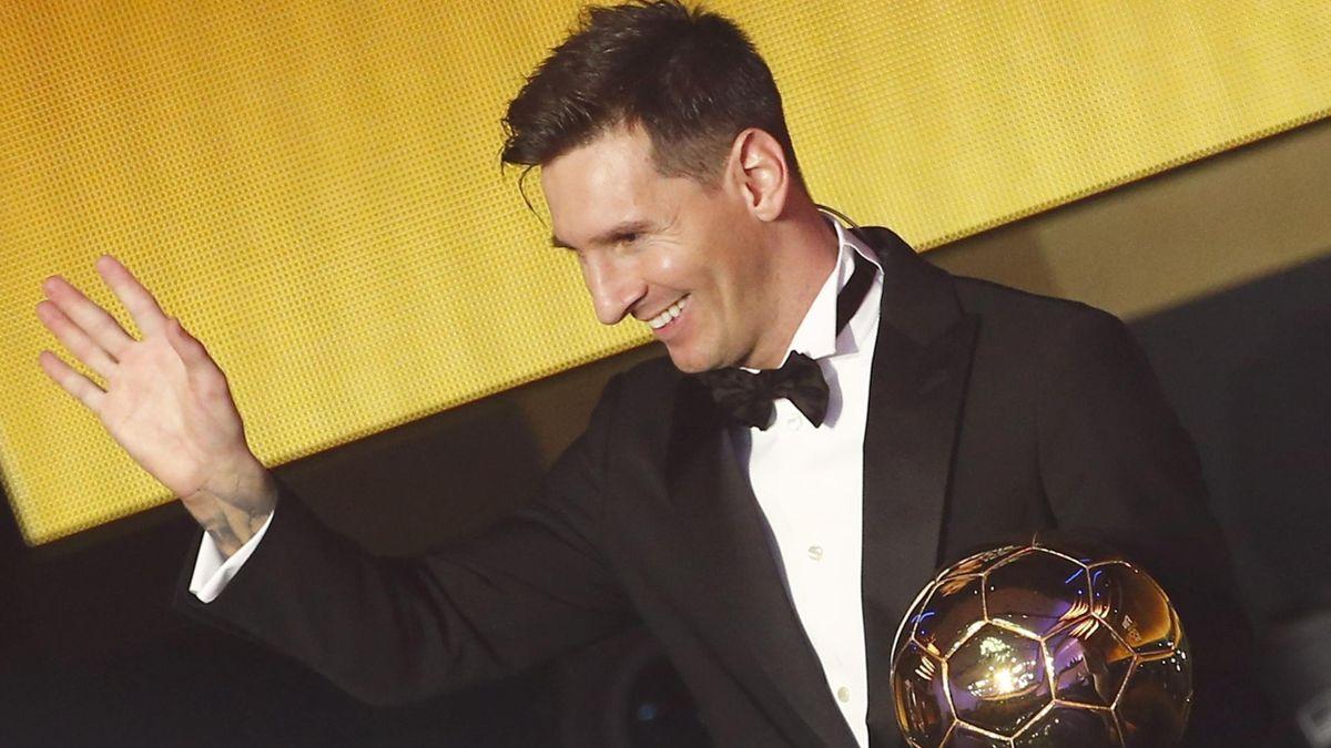 Lionel Messi feiert seinen 5. Ballon d'Or