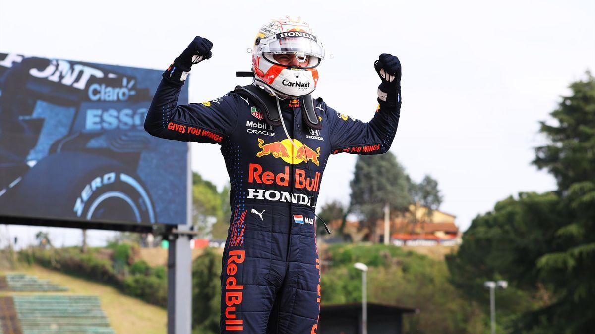 Max Verstappen esulta dopo il successo nel GP dell'Emilia Romagna, Getty Images