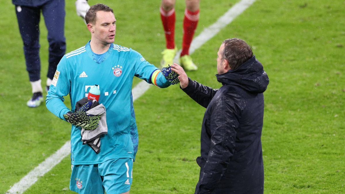 FC Bayern: Manuel Neuer mit Trainer Hansi Flick