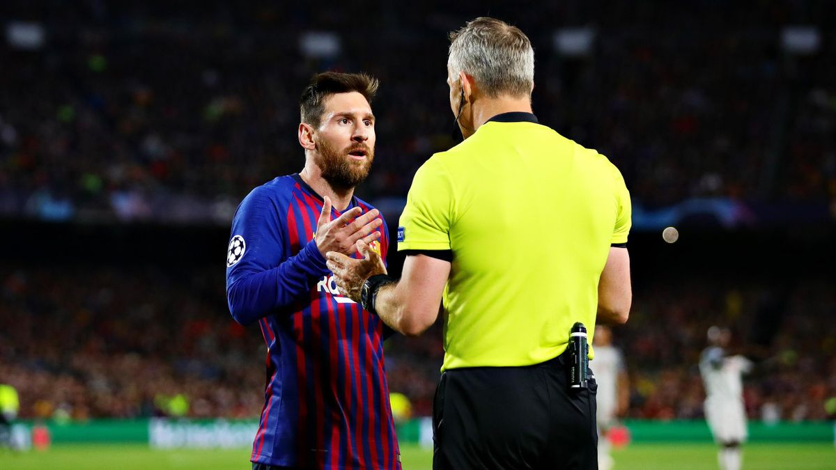 Leo Messi y Björn Kuipers (Champions League 2018/19)