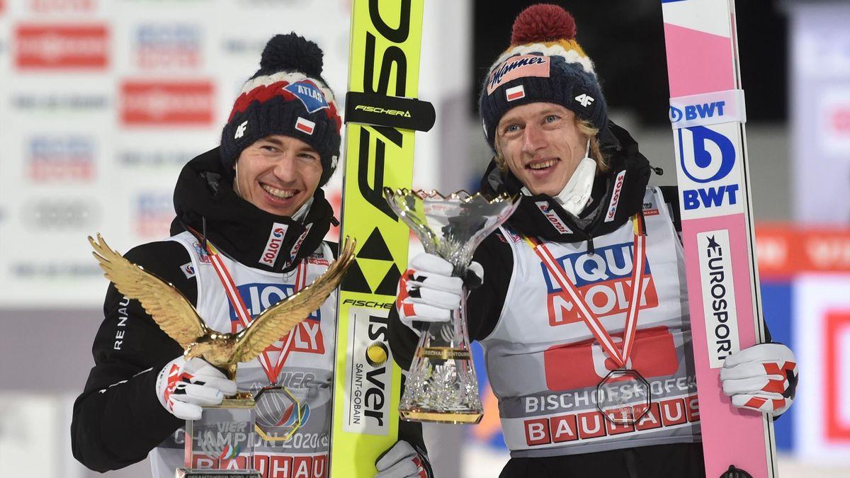 Kamil Stoch (l.) und sein polnischer Teamkollege Dawid Kubacki (r.)
