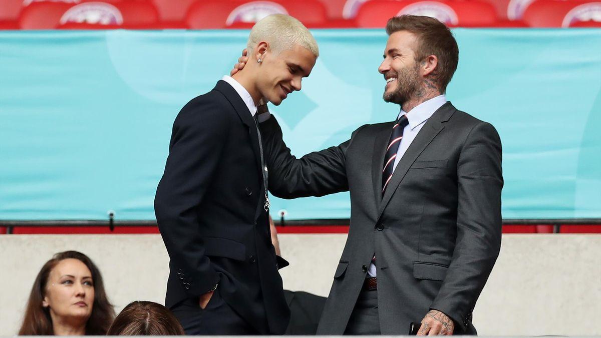 Romeo Beckham, avec son père David, lors du match Angleterre-Allemagne pendant l'Euro.