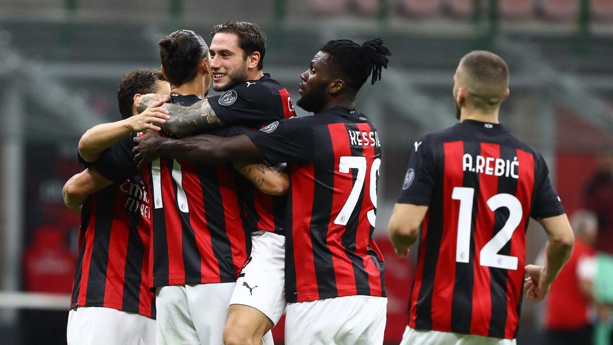 L'esultanza del Milan col Bologna