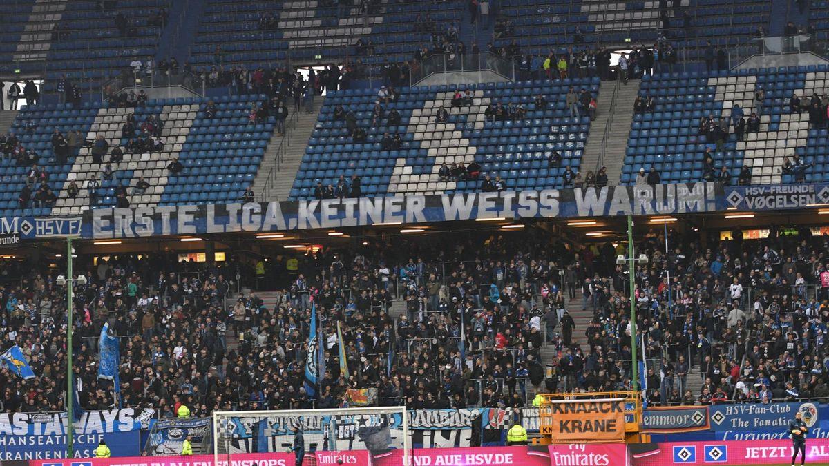 HSV-Fans spotten vor dem Spiel gegen Dortmund