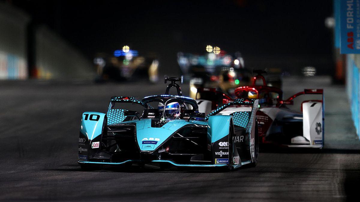 Sam Bird gewinnt in Riad