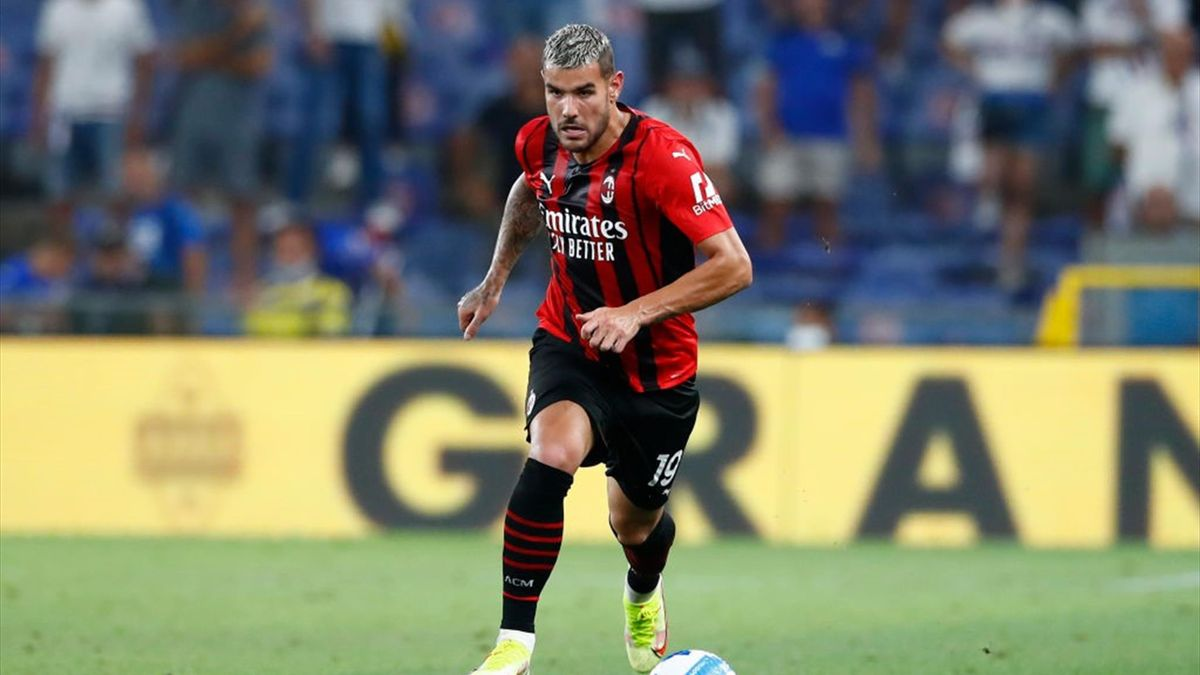Theo Hernandez in azione in Sampdoria-Milan - Serie A 2021-22