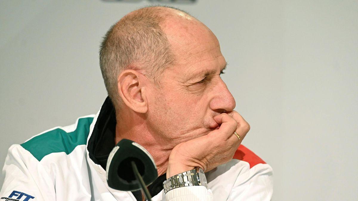 Il coach dell'Italia Corrado Barazzutti è molto deluso dopo la sconfitta degli azzurri contro gli Stati Uniti alla Coppa Davis 2019