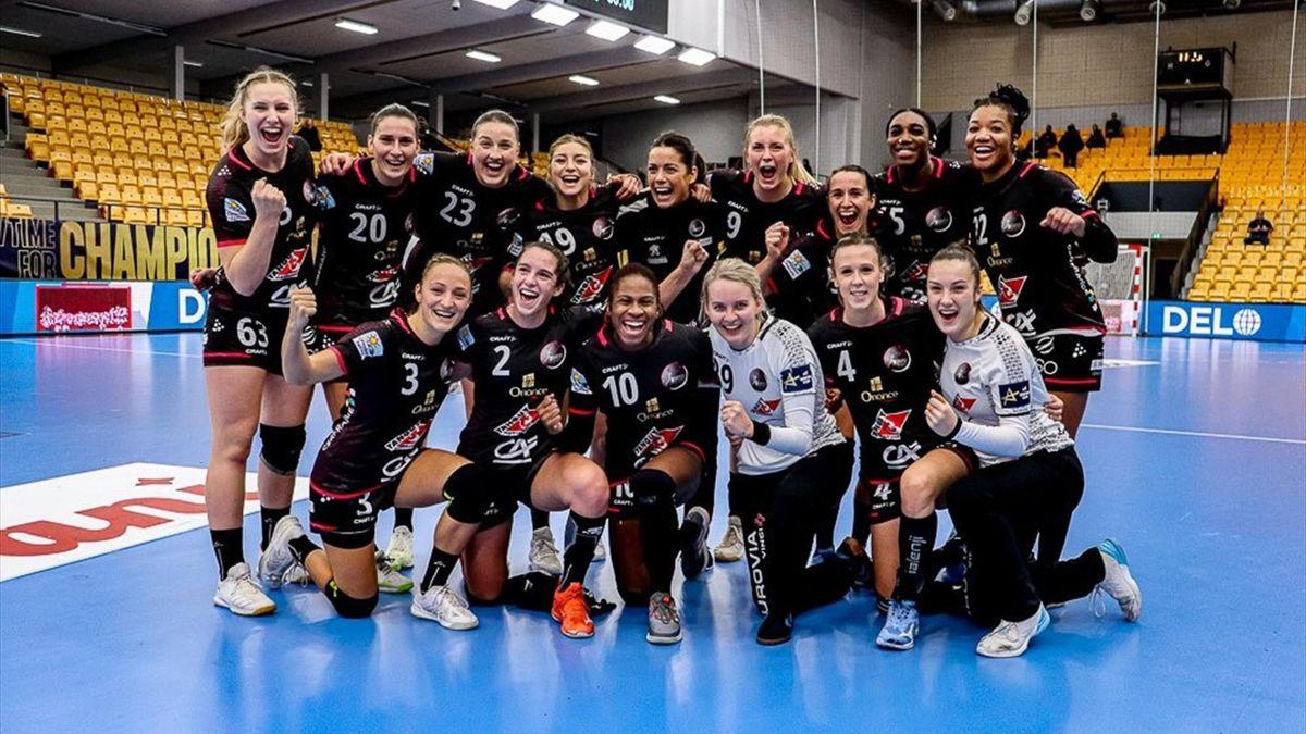Les joueuses du Brest Bretagne Handball célèbrent leur victoire en Ligue des champions féminine face à Odense - octobre 2020 (Crédits photo : compte twitter officiel du BBH)