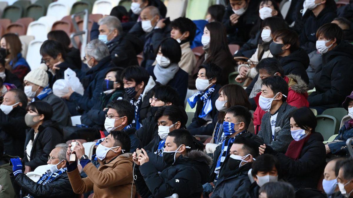 Lesznek néző a tokiói olimpián.