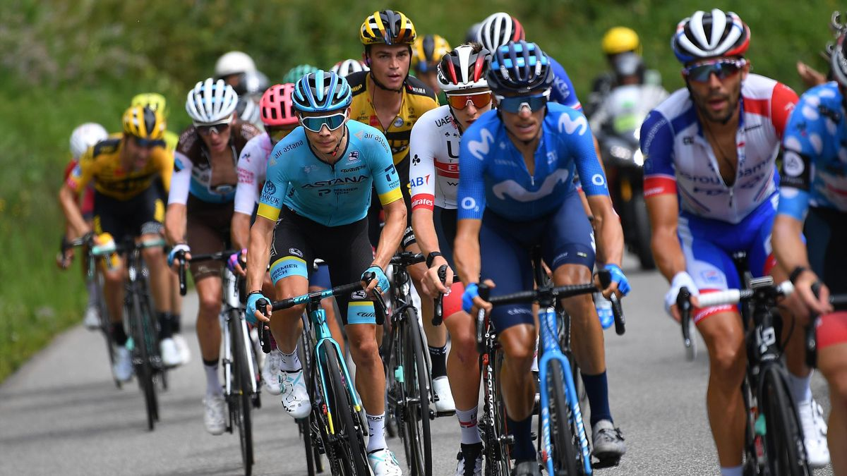 Riders protested at the start of the final stage of the Criterium du Dauphine