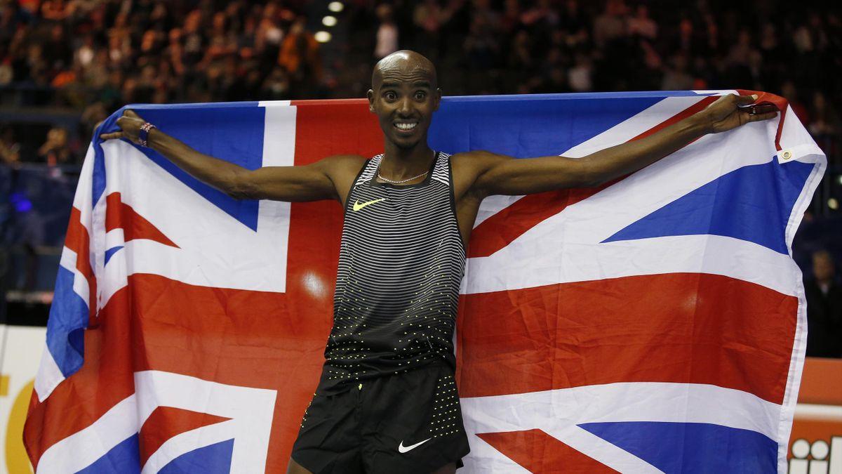 Great Britain's Mo Farah celebrates winning the Men's 5000m
