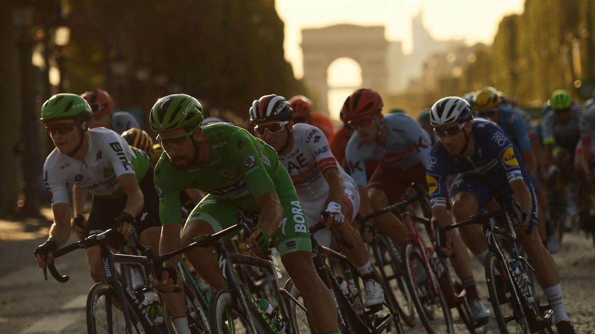 Peter Sagan y el Arco del Triunfo (Tour de Francia 2019)