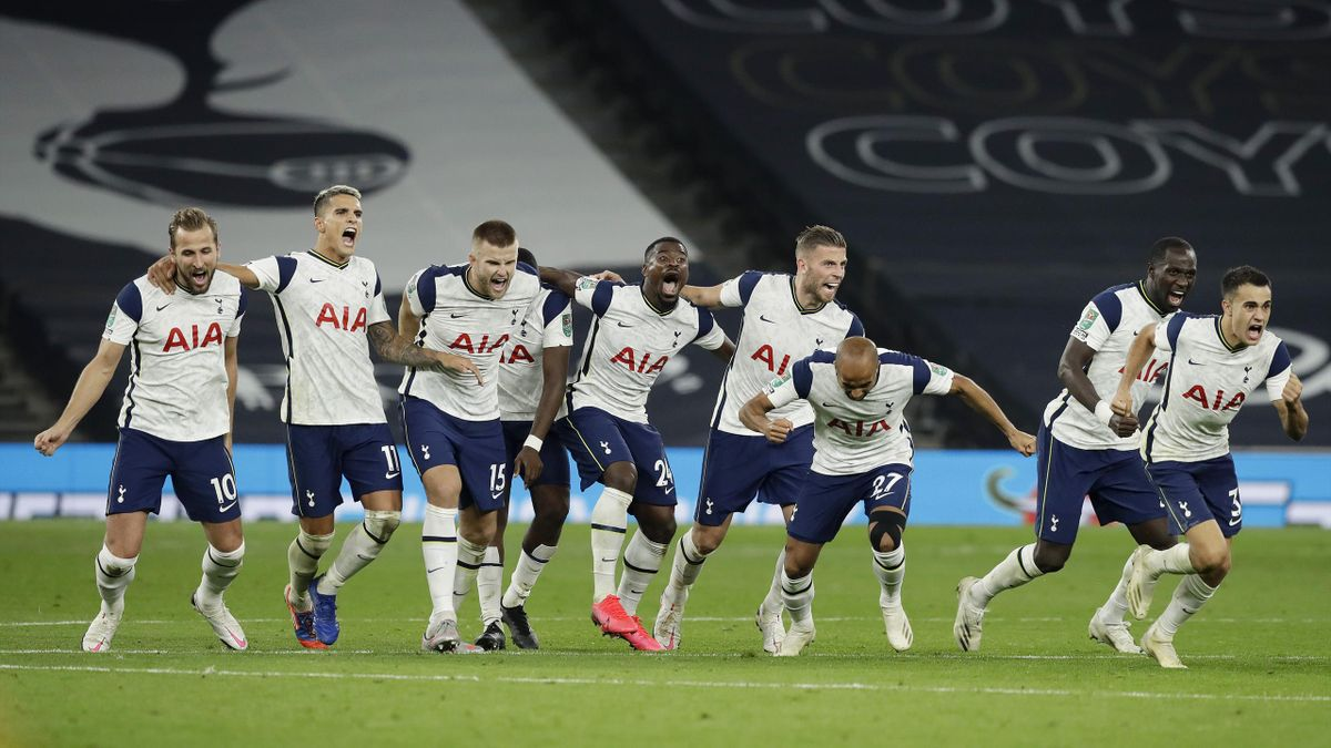 Tottenham Hotspur players celebrate following their team's victory in in the penalty shoot out and therefore winning during the Carabao Cup fourth round match between Tottenham Hotspur and Chelsea at Tottenham Hotspur Stadium on September 29, 2020 in Lond