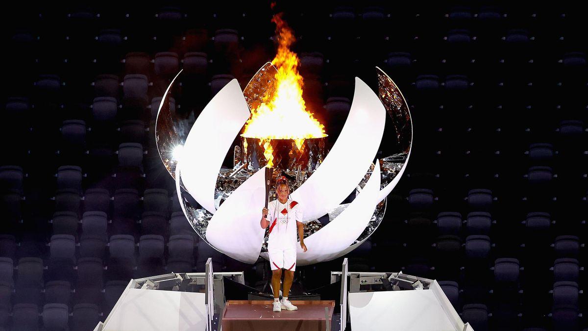 Naomi Osaka lights the cauldron at Tokyo 2020