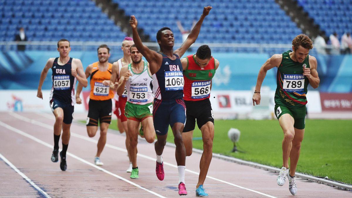 Shaquille Walker celebrates after winning the 800m final (Universiade Gwangju official website)