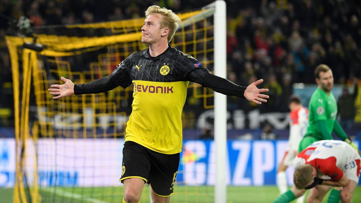 Julian Brandt jubelt - Borussia Dortmund vs. Slavia Prag