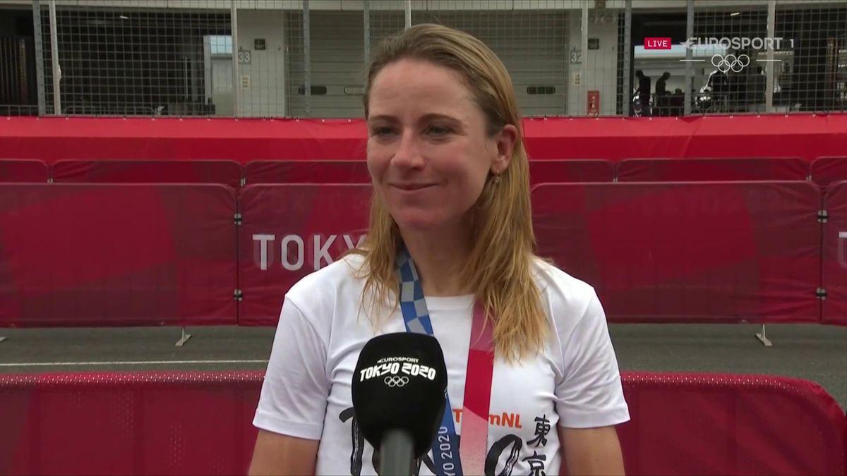 'I can't believe it' - Van Vleuten stunned by 'beautiful' time trial gold