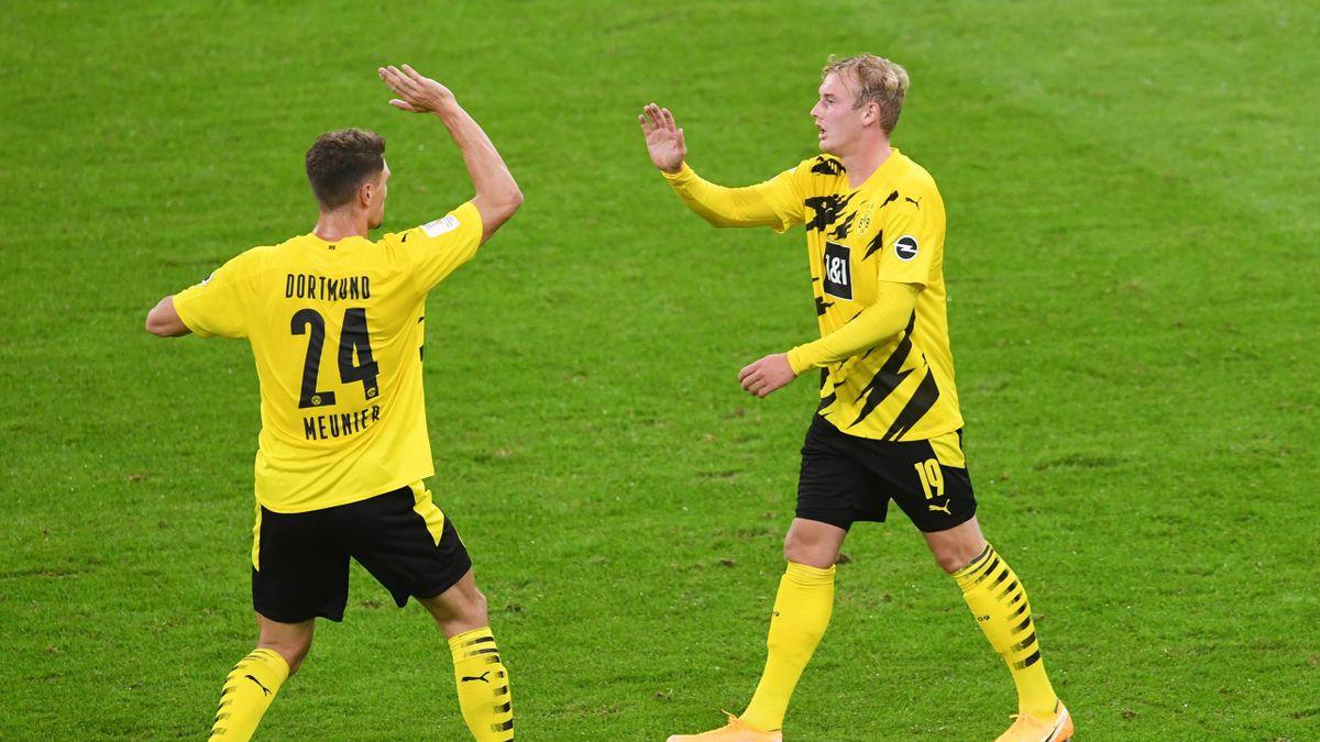Julian Brandt (r.) und Thomas Meunier wurden positiv auf Corona getestet