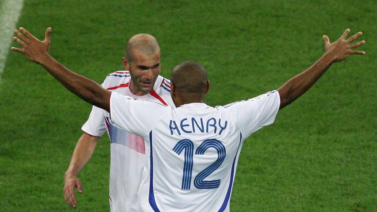 Thierry Henry et Zinedine Zidane lors de France - Brésil au Mondial 2006.