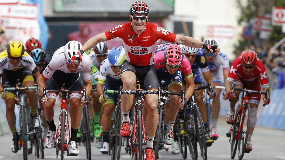 André Greipel plane sur le sprint de la 7e étape du Giro, vendredi 13 mai 2016