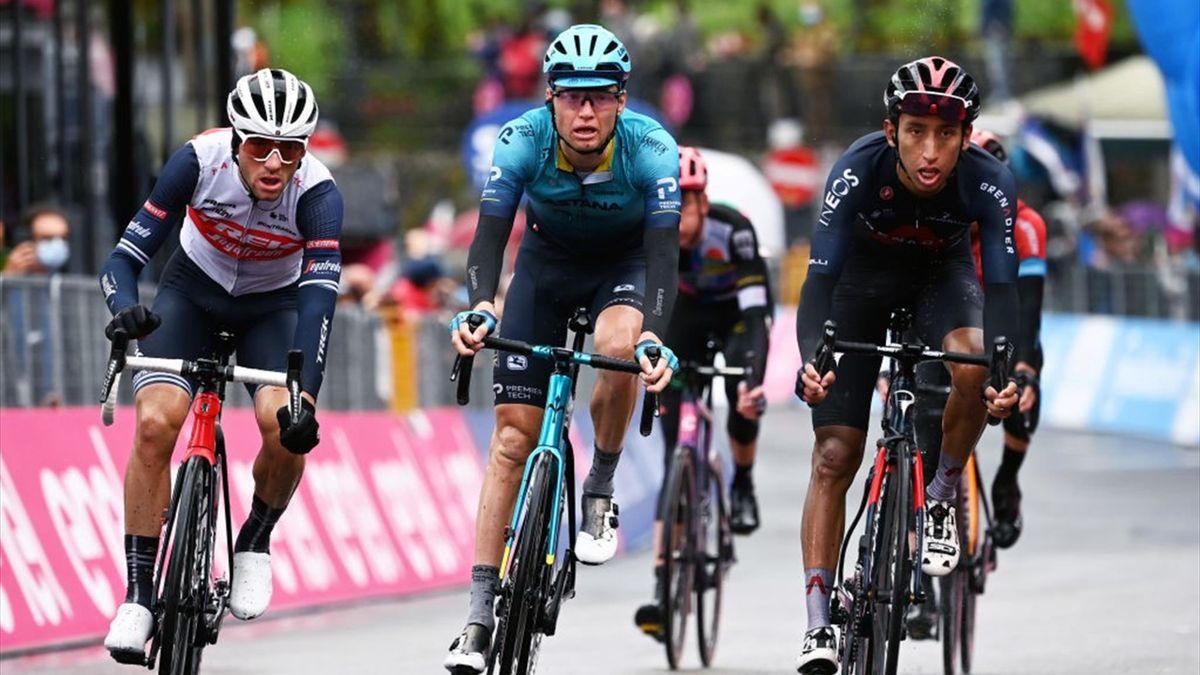 Vlasov, Bernal e Ciccone al traguardo di Sestola - Giro d'Italia 2021