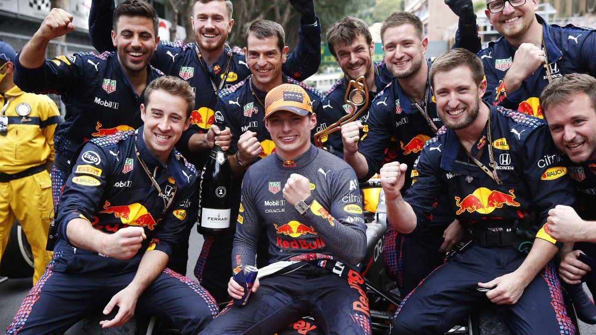 Max Verstappen (Red Bull) jubelt in Monaco über seinen Sieg