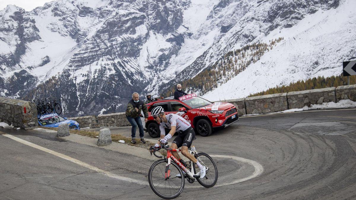 Wilco Kelderman (Team Sunweb) on the Stelvio during Stage 18 of the Giro d'Italia 2020