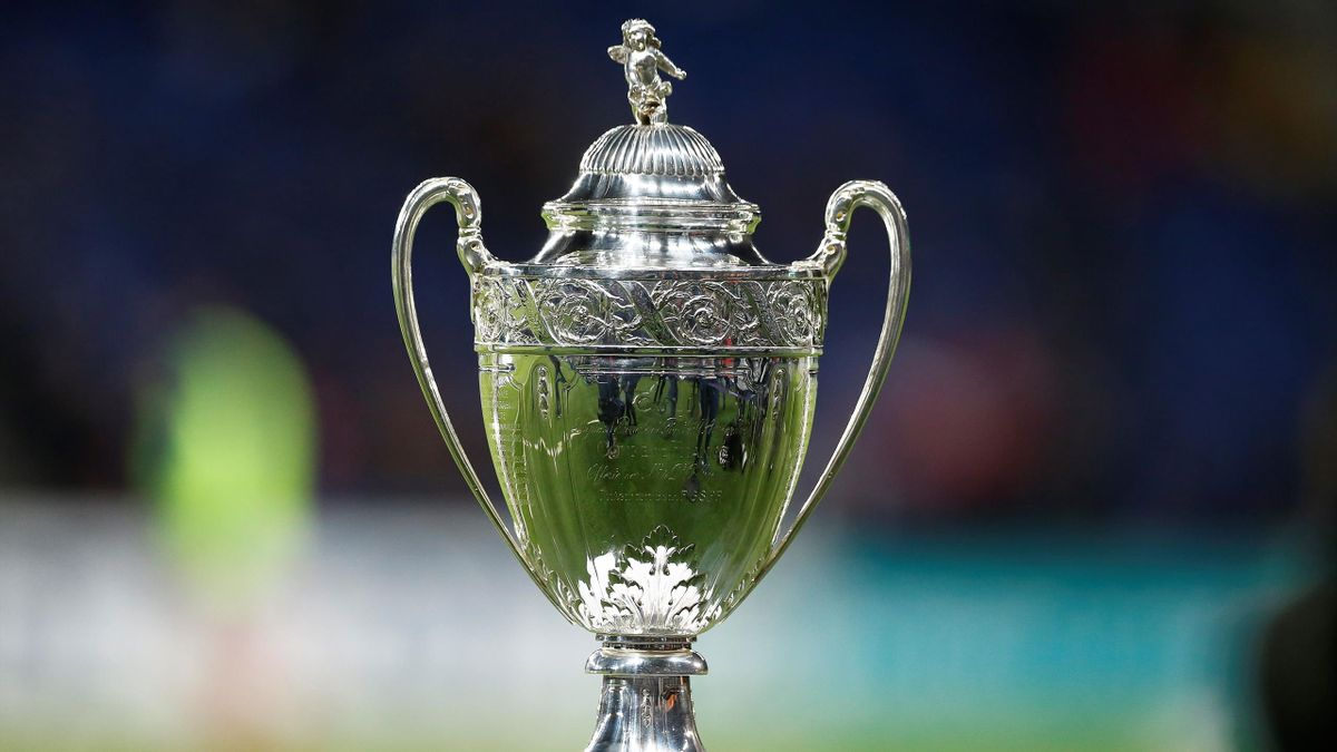 Le trophée de la Coupe de France