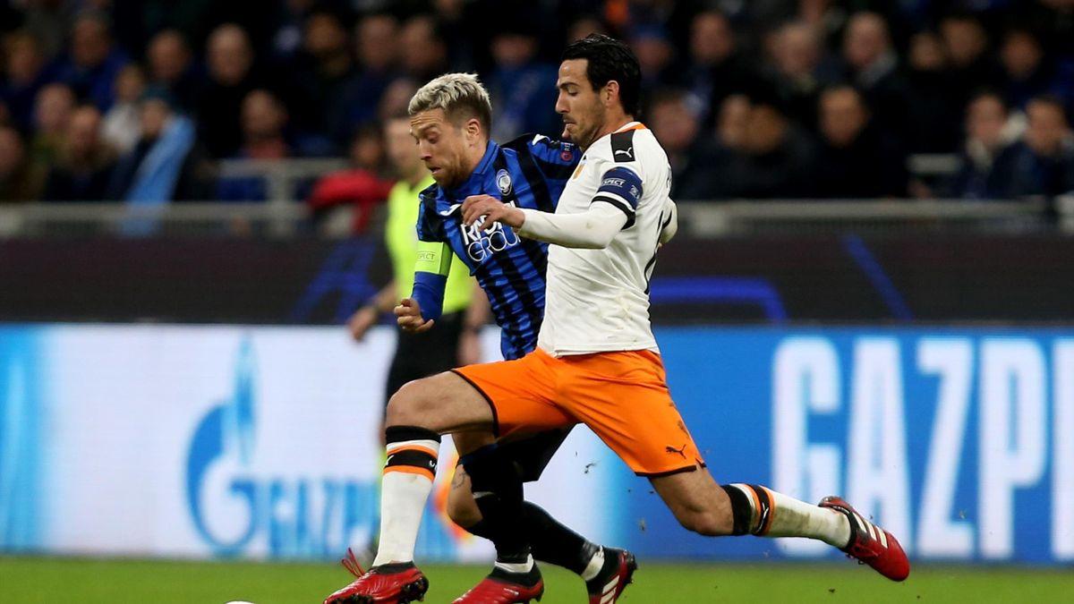 Duell der Kapitäne im Mailänder San Siro: Bergamos Papu Gomez (links) und Valencias Dani Parejo