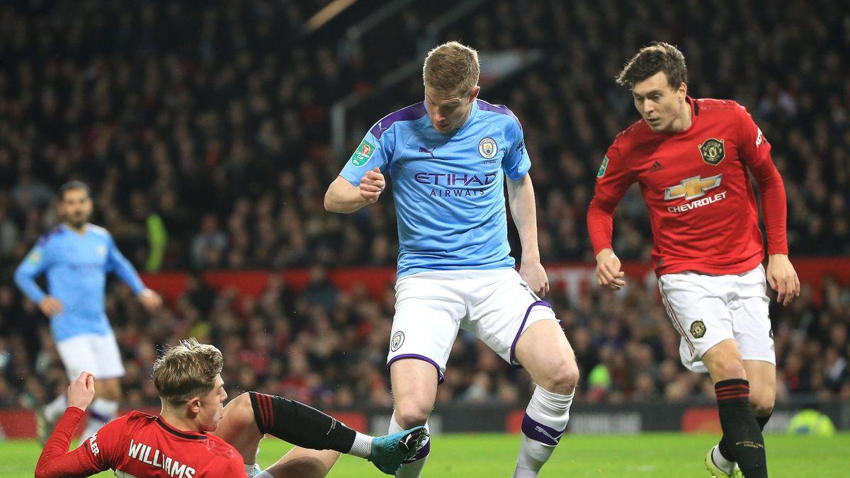 Kevin De Bruyne von Manchester City und Victor Lindelof von Manchester United