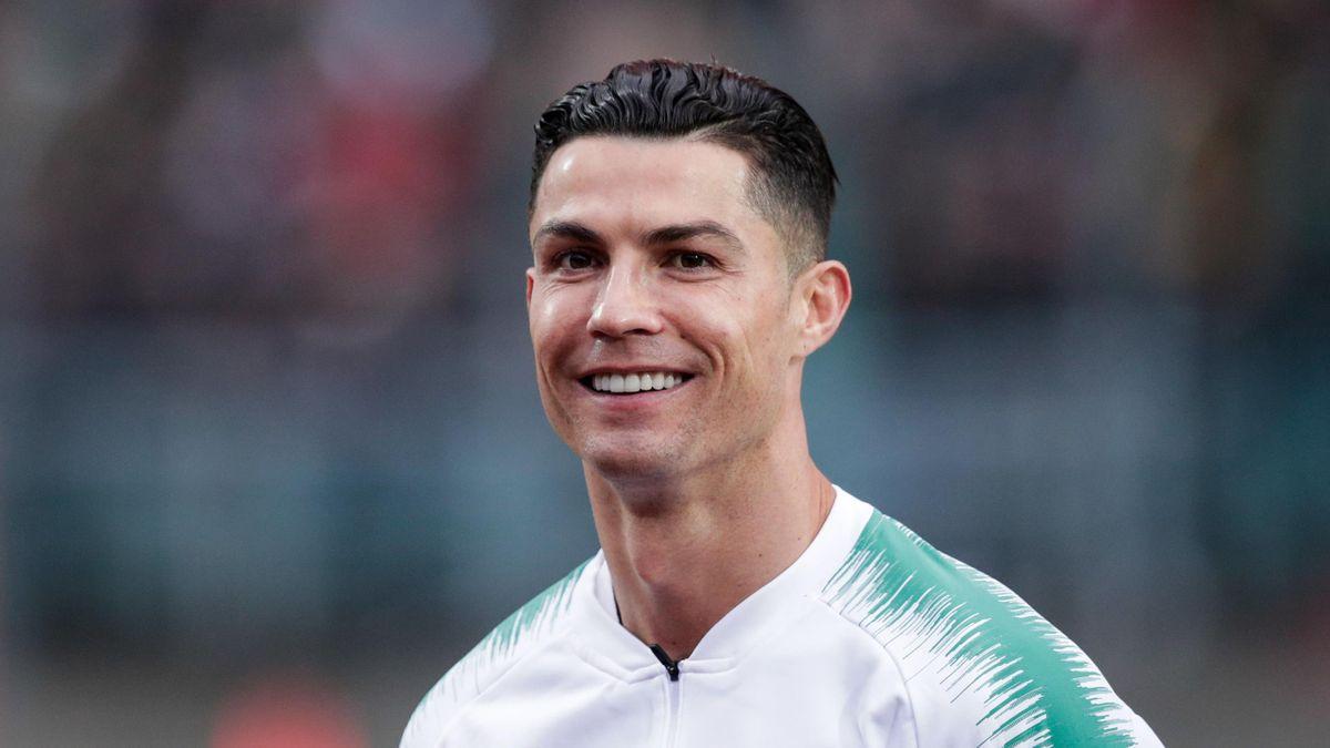 Cristiano Ronaldo tout sourire avant un match entre le Luxembourg et le Portugal, le 17 novembre 2019.