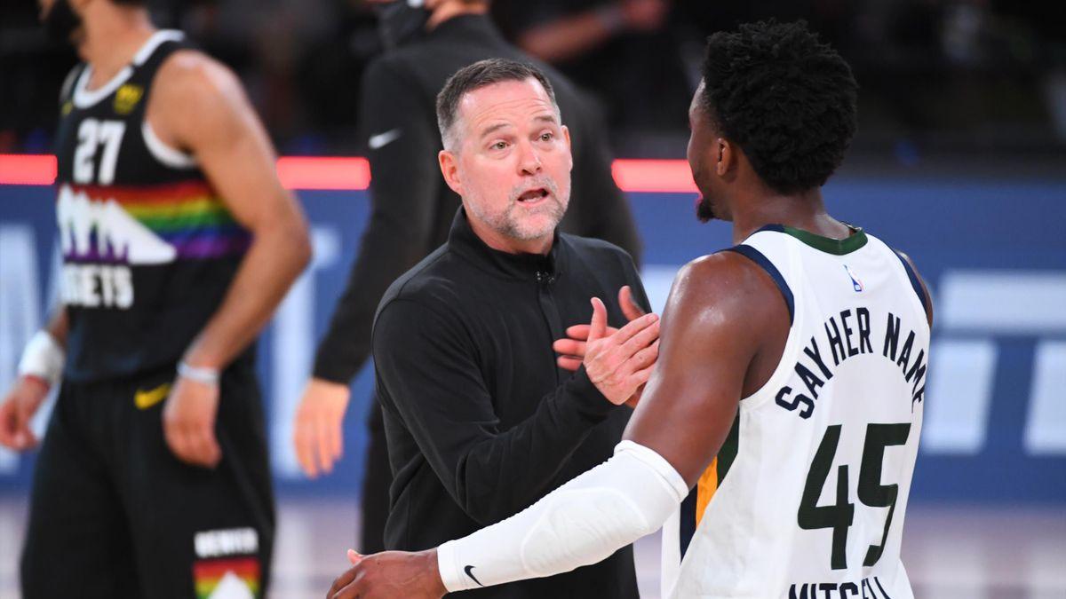 Michael Malone, coach des Denver Nuggets, avec Donovan Mitchell (Utah Jazz)
