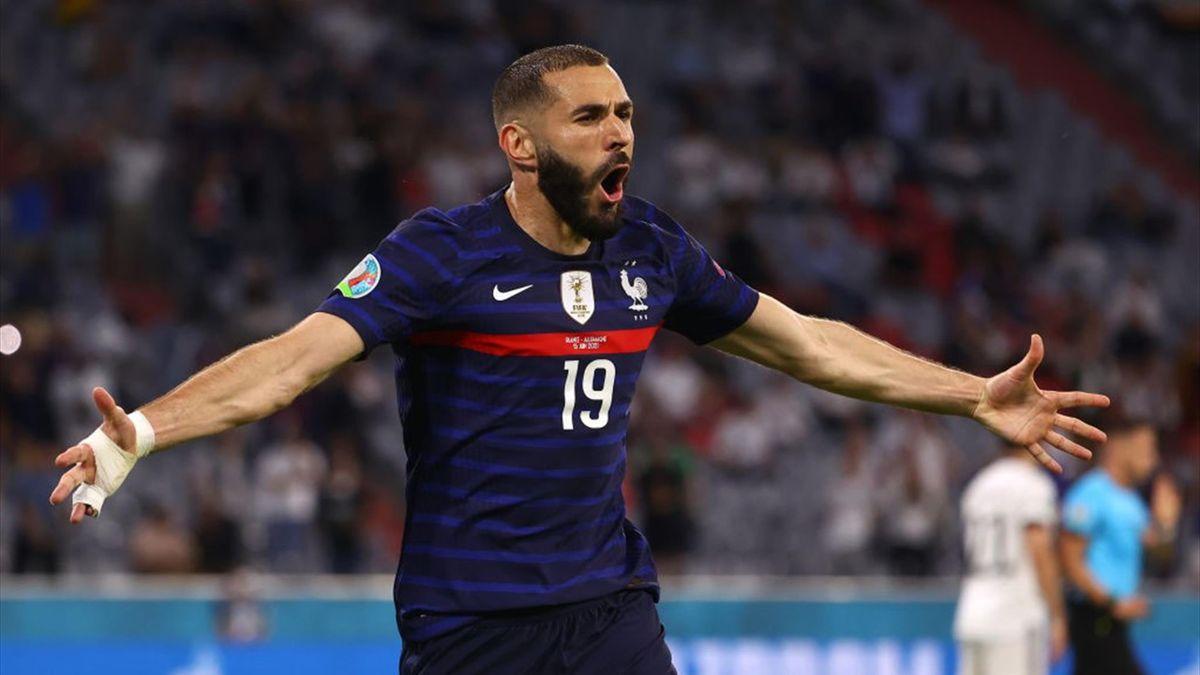 Benzema esulta per un gol in Francia-Germania - Europei 2021