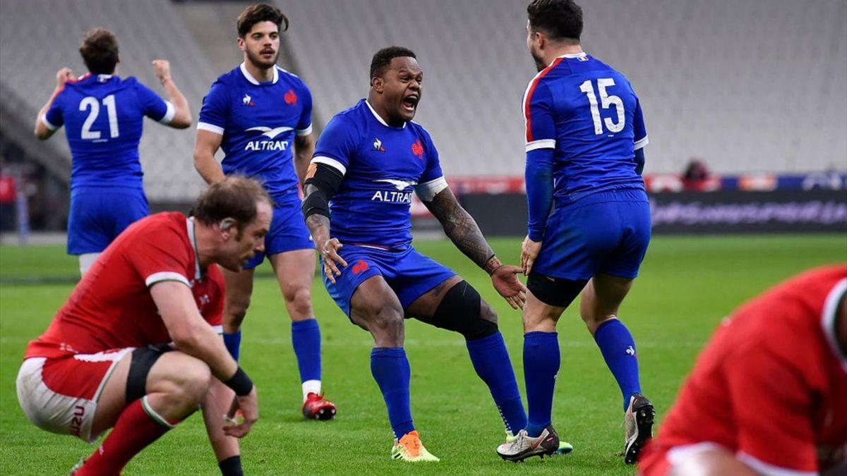 I giocatori esultano per la meta a tempo scaduto in Francia-Galles - Sei Nazioni 2021 - Getty Images