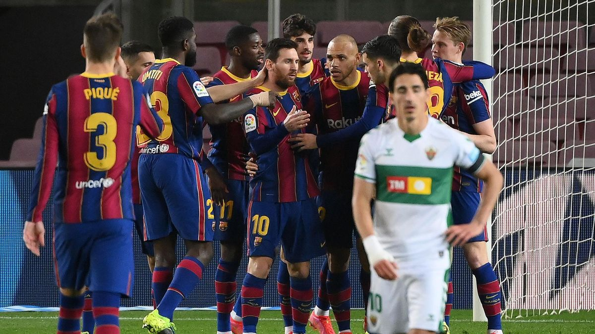 Messi and Barcelona players celebrating