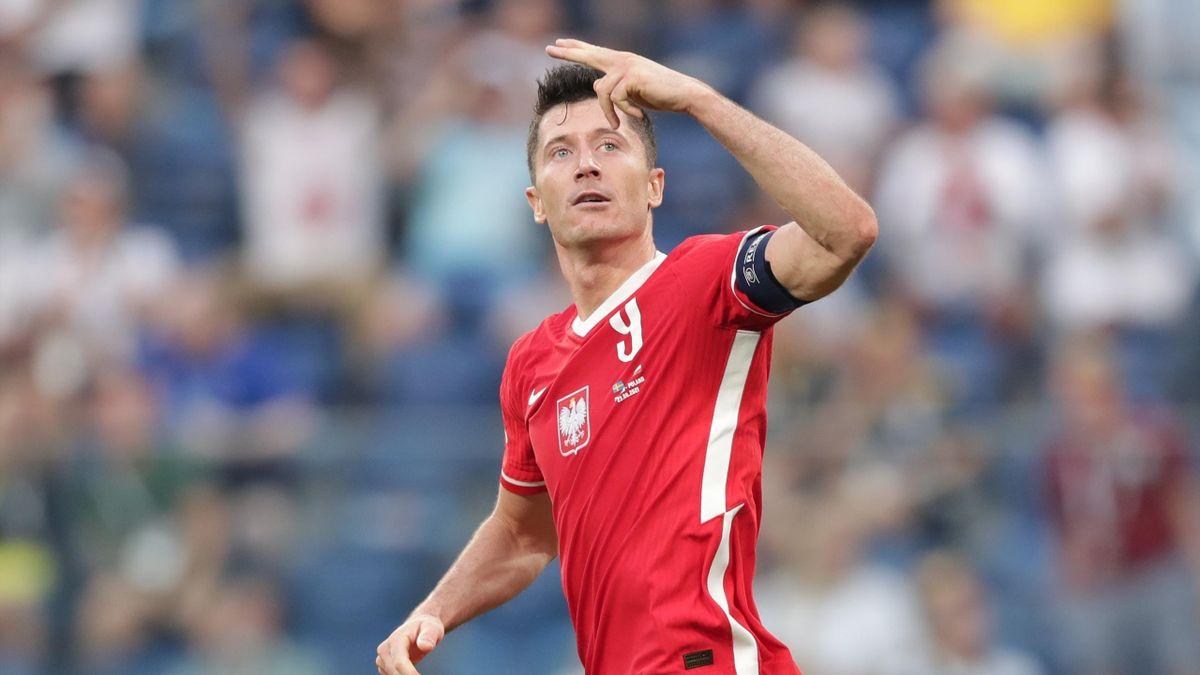 Robert Lewandowski of Poland celebrates scoring their second goal during the UEFA Euro 2020 Championship Group E match between Sweden and Poland