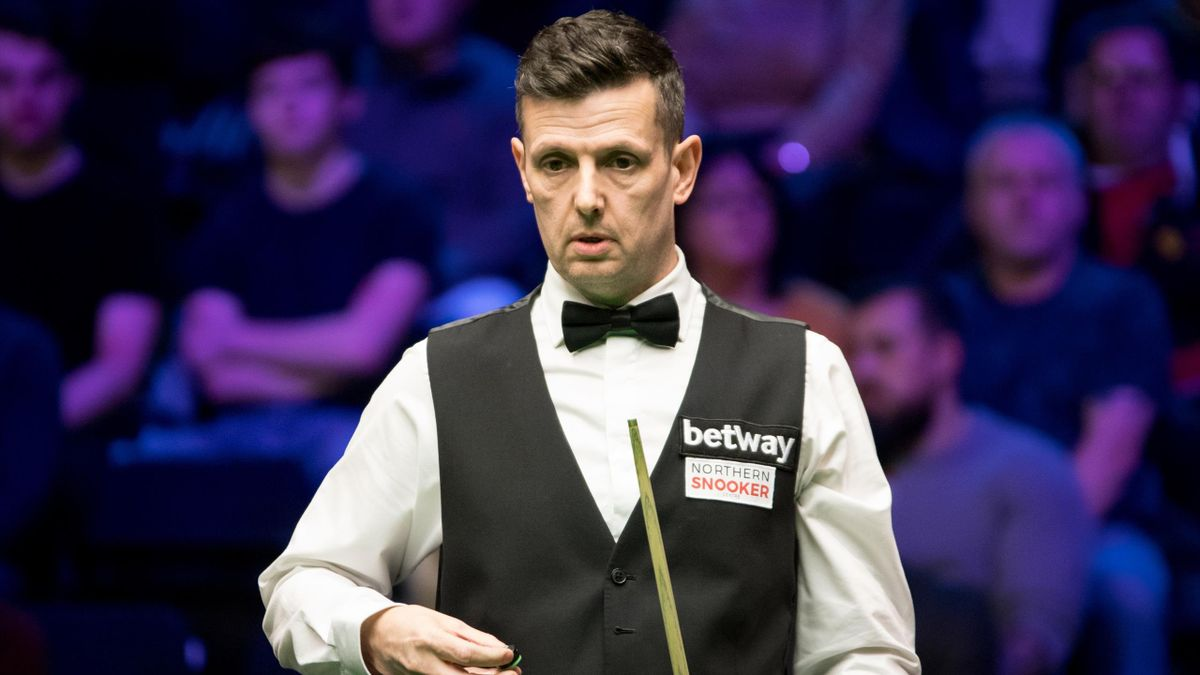 Peter Lines has reclaimed his World Snooker Tour card.