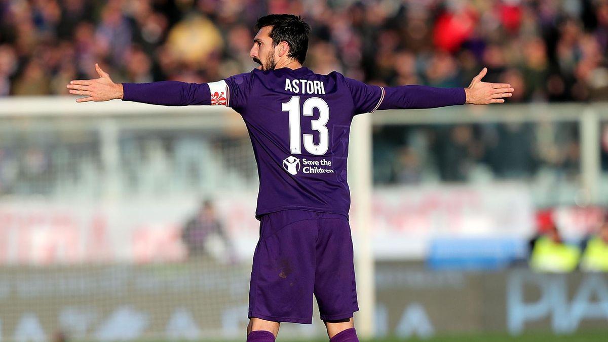 Davide Astori Fiorentina Cagliari Retire Number 13 Shirt In Memory Eurosport