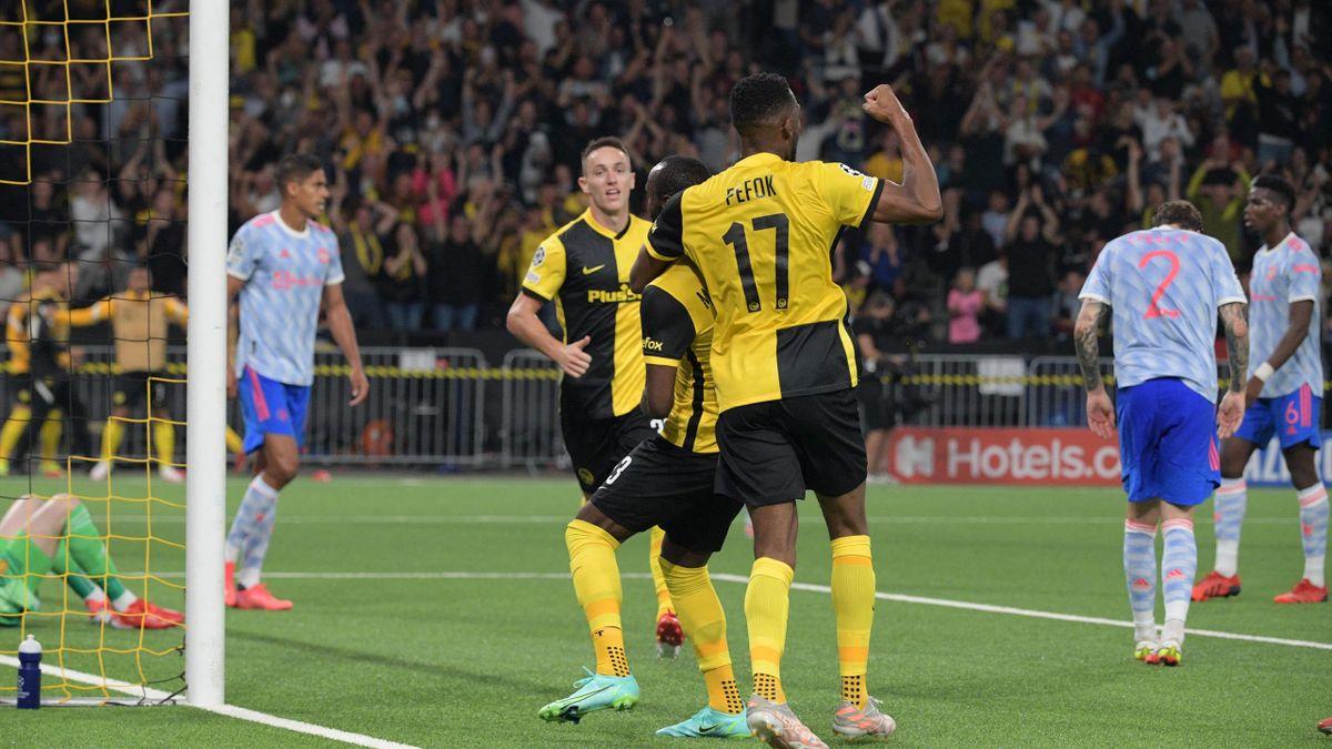 L'esultanza dei giocatori dello Young Boys dopo il gol dell'1-1 contro il Manchester United
