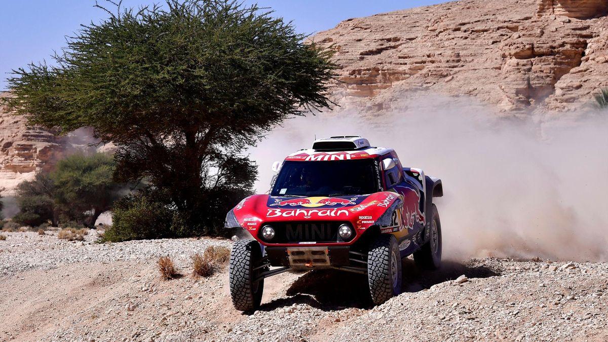 Mini's driver Stephane Peterhansel and his co-driver Portuguese Paulo Fiuza compete during the 2020 Rally Dakar Stage 9 of the Dakar 2020 between Wadi Al Dawasir and Haradh, Saudi Arabia, on January 14, 2020