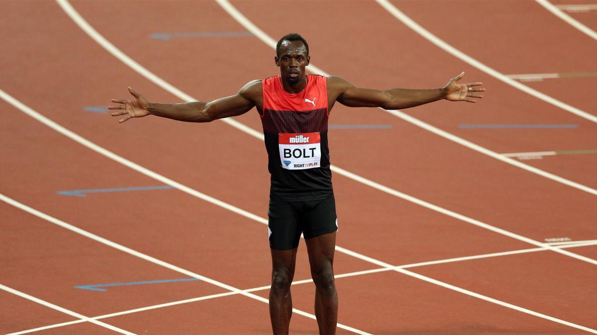 Jamaica's Usain Bolt celebrates winning the Men's 200m in London