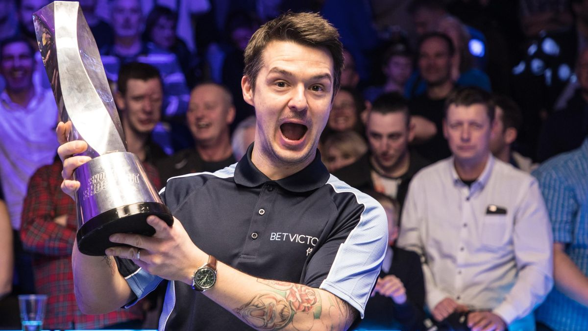 Michael Holt celebrates winning the 2020 snooker Shoot Out