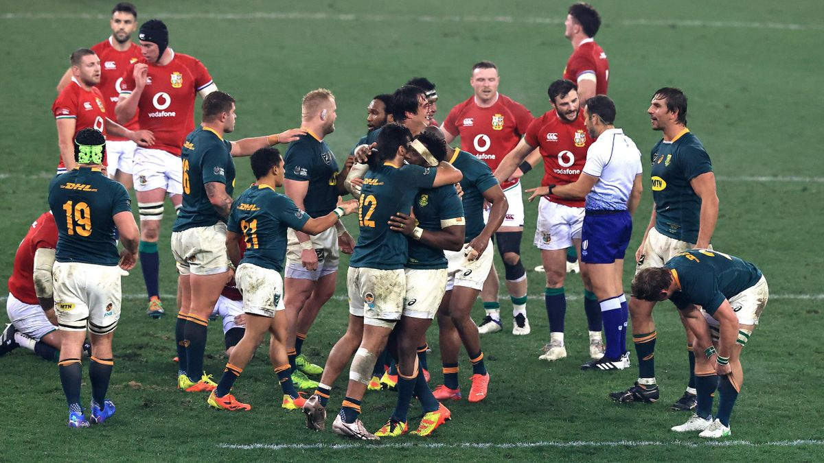 he South Africa Springboks celebrate their victory during the 3rd test match between the South Africa Springboks and the British & Irish Lions at Cape Town Stadium on August 07, 2021 in Cape Town, South Africa