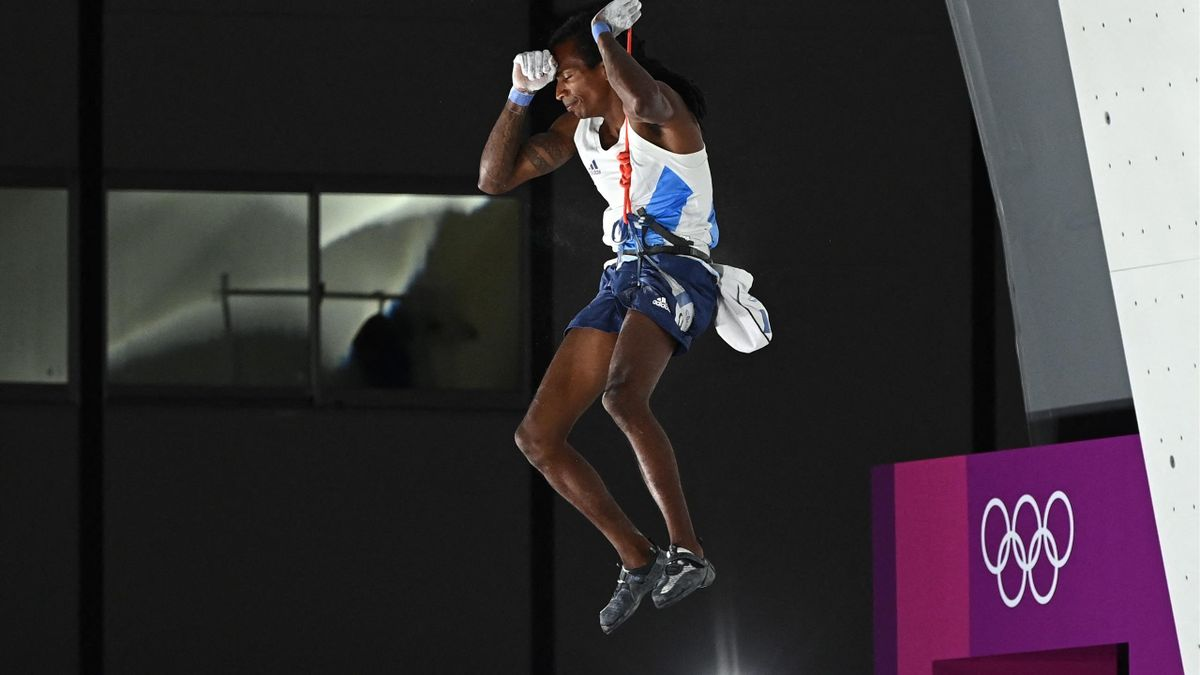 France's Mickael Mawem reacts as he competes in the men's sport climbing lead final during the Tokyo 2020 Olympic Games at the Aomi Urban Sports Park in Tokyo on August 5, 2021.