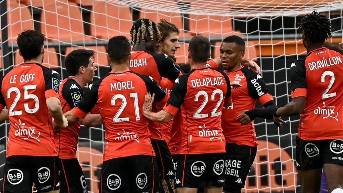 Les joueurs de Lorient contre Nîmes en Ligue 1