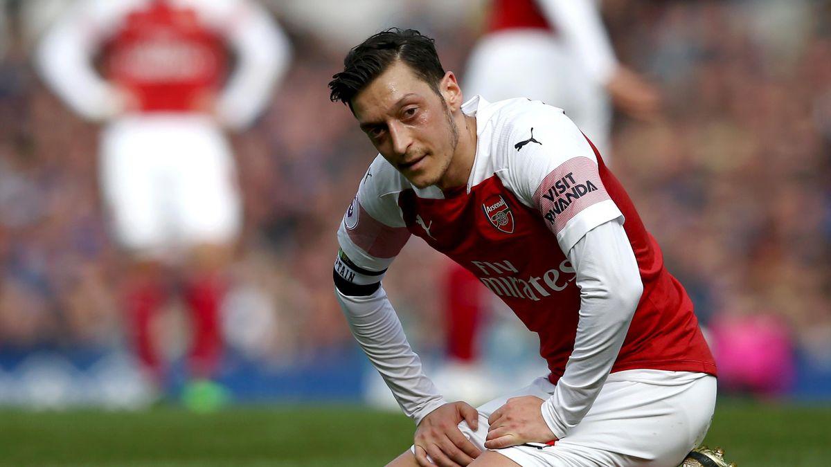 Mesut Özil avec le maillot d'Arsenal, un mariage long mais pas toujours heureux